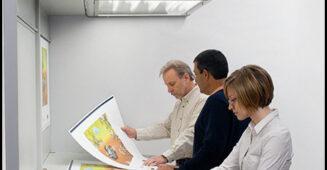 Tại sao phải chuẩn hoá điều kiện xem màu trong in ấn